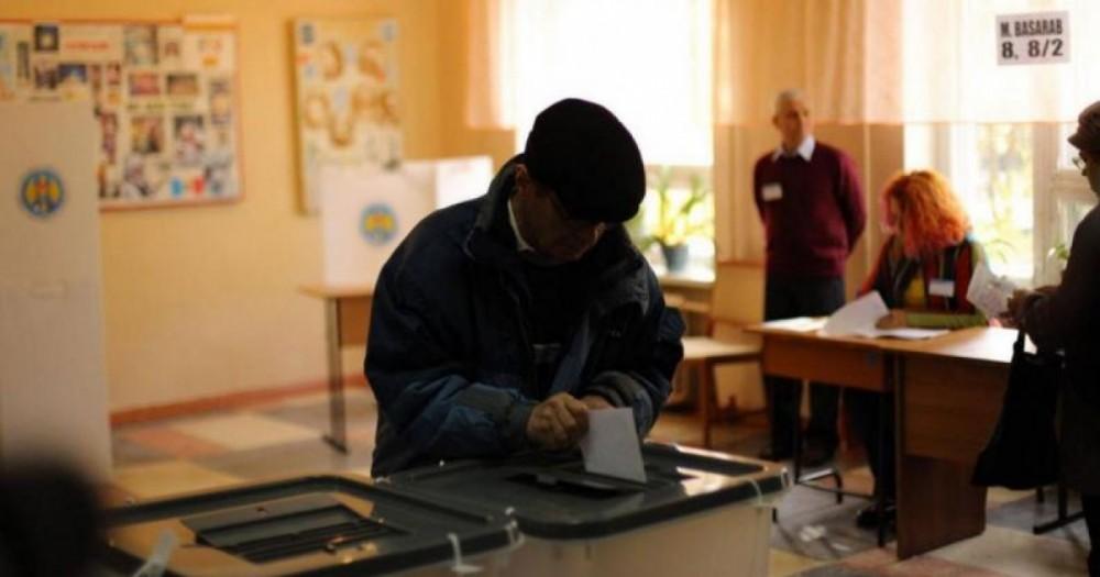 Alegeri 2020: În ultimii 4 ani numărul tinerilor din Moldova s-a redus cu 27,4%